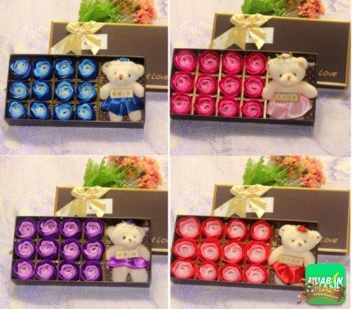 Hoa hồng sáp thơm 12 bông tặng kèm gấu bông
