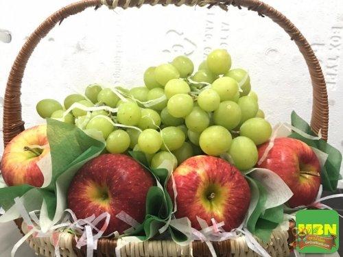 Chọn mua quà tặng 20/10 ý nghĩa: Giỏ trái cây nhập khẩu cao cấp